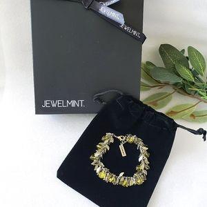 Jewelmint Gold Vintage Charm Bracelet English Ivy